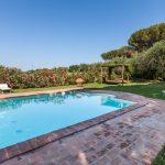 tenuta la valle - piscina privata della tenuta